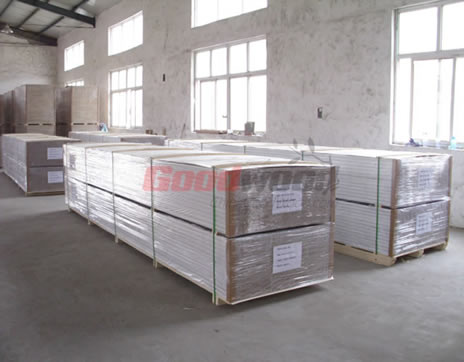Wood Mouldings With Packing