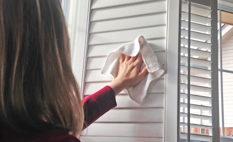 how to clean vinyl shutters
