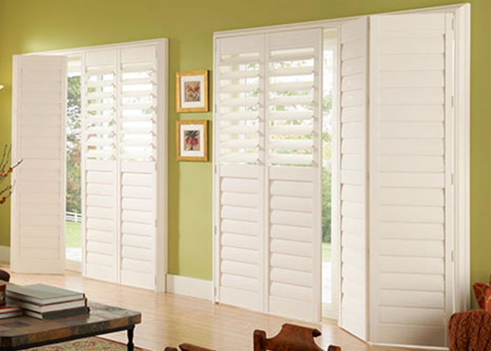 Interior louvered window shutters interior shutters networx shuttercraft interior shutters for Bifold interior window shutters