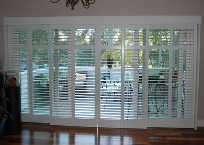 Plantation shutters interior shutters custom shutters for Interieur shutters