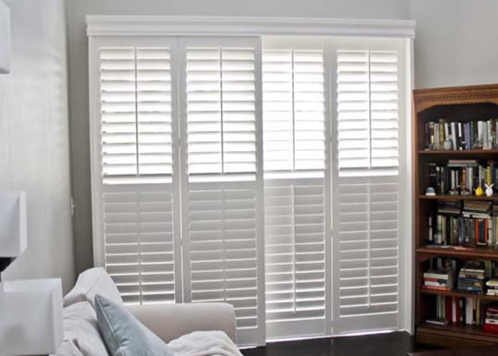 Louvered shutter pvc shutters plantation shutters for Indoor decorative shutters
